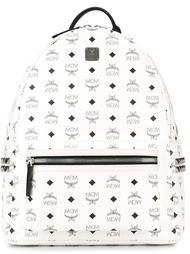 рюкзак с логотипами MCM