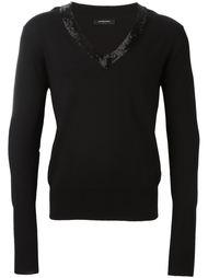 свитер c V-образным декорированным вырезом   Unconditional