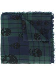 клетчатый шарф с черепами Alexander McQueen
