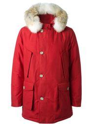 дутая куртка с меховой отделкой капюшона Woolrich