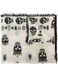 шарф с принтом черепов  Alexander McQueen