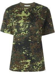 футболка с камуфляжным принтом Alyx