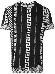 футболка с принтом фирменного узора Versus