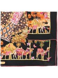 платок с узором в виде верблюдов Salvatore Ferragamo