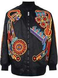 куртка-бомбер с нашивками KTZ