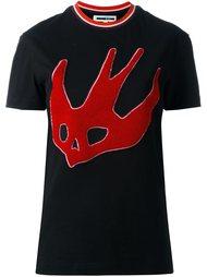 футболка с вышивкой ласточки  McQ Alexander McQueen