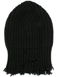 шапка бини с рваными краями  Unravel