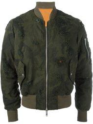 куртка-бомбер с камуфляжным принтом  Unravel