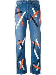 джинсы с абстрактным принтом   Christopher Kane