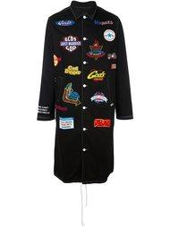 однобортное пальто с нашивками Gcds