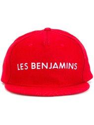 кепка с вышитым логотипом Les Benjamins