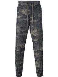 спортивные брюки с камуфляжным принтом Helmut Lang