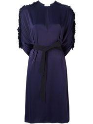 платье с поясом и оборками на рукавах Maison Rabih Kayrouz