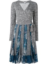 плиссированное платье с запахом Diane Von Furstenberg