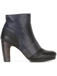 contrast panel ankle boots  Chie Mihara