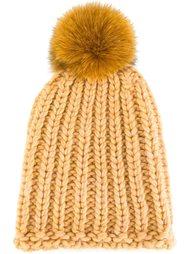 шапка-бини с помпоном из кроличьего меха Danielapi