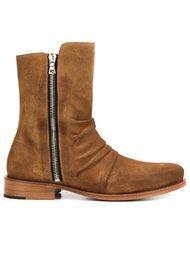 'Stack' boots Amiri