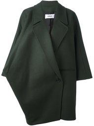 объемное пальто Chalayan