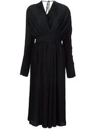 атласное плиссированное платье с запахом Tome