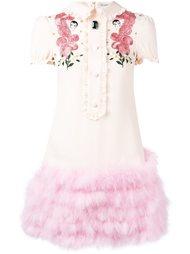 платье-футболка с вышивкой и перьями Vivetta
