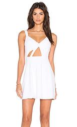 Приталенное и расклешенное платье trax - NBD