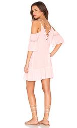 Тонкое платье с открытыми плечами и шнуровкой на спине - Lucca Couture