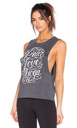 Майка из яркой прозрачной ткани peace love yoga flourish - Spiritual Gangster