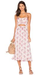 Платье с вырезом и завязкой спереди - WAYF