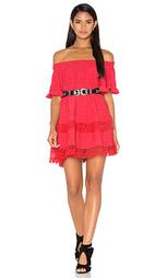 Платье с открытыми плечами отделка рюшами - Tessora