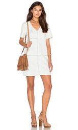 Джинсовое платье с накладками и v-образным вырезом - 1. STATE