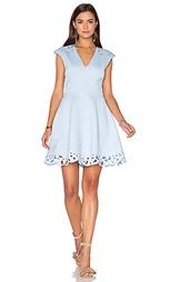 Приталенное и клешное платье laser sharp - Lumier