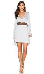 Платье с длинным рукавом и v-образным вырезом - BLQ BASIQ