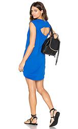 Цельнокройное платье из джерси с вырезом - Bobi