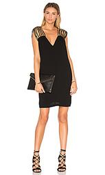 Цельнокроеное платье с v-образным вырезом - BCBGMAXAZRIA