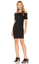 Платье со спущенными плечами - 3x1