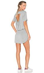 Драпированное мини платье с карманом сзади - Chaser