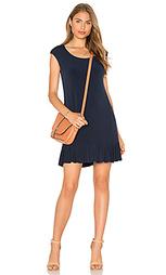 Мини платье с коротким рукавом и рюшами на подоле quinnell - Velvet by Graham & Spencer