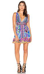 Короткое платье с v-образным вырезом и завязкой - Camilla