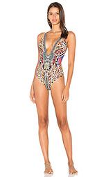 Сплошной купальник с глубоким вырезом спереди и открытой спиной - Camilla