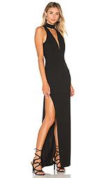 Вечернее платье на бретельках с глубоким вырезом - Michelle Mason