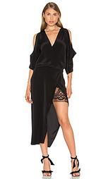 Open shoulder lace dress - Michelle Mason
