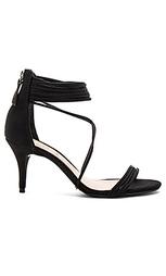 Туфли на каблуке violita - Schutz