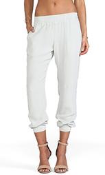 Свободные брюки скинни crepe basics - MONROW