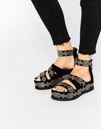 Черные сандалии на платформе с золотистой отделкой Kat Maconie Celeste - Черный