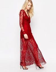 Кружевное платье макси Jovonna Highfield - Красный