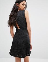 Платье с узором и открытой спиной BCBG Generation - Черный