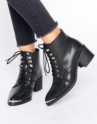 Ботильоны на шнуровке и каблуке средней высоты Pieces Derta - Черный