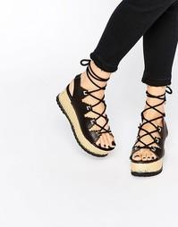 Черно-золотистые сандалии на платформе со шуровкой Kat Maconie Eva - Черный