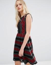 Платье с принтом и сетчатыми вставками Hazel - Красный