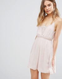 Платье-сорочка The Jetset Diaries Basilica - Розовый